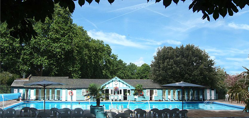 View of the much loved old Hurlingham Club Outdoor Pool, which provided inspiration for the design of the new facility which has replaced it.
